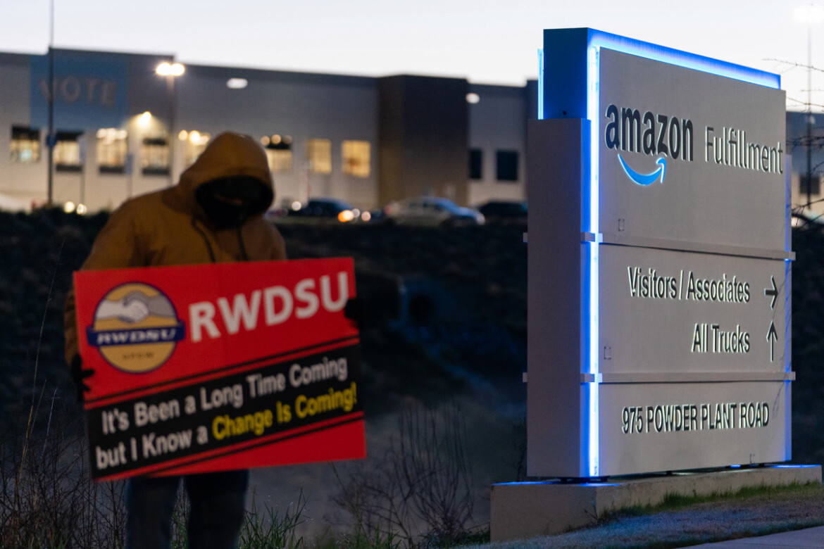 More than 3,200 Amazon workers vote in Alabama union election