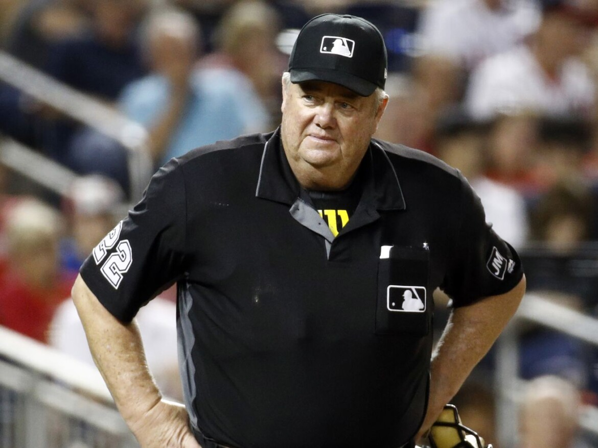 Court awards umpire Joe West $500,000 in damages against former player Paul Lo Duca