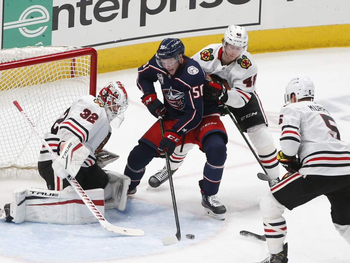 Blackhawks rally past Blue Jackets as Connor Murphy again carries defense