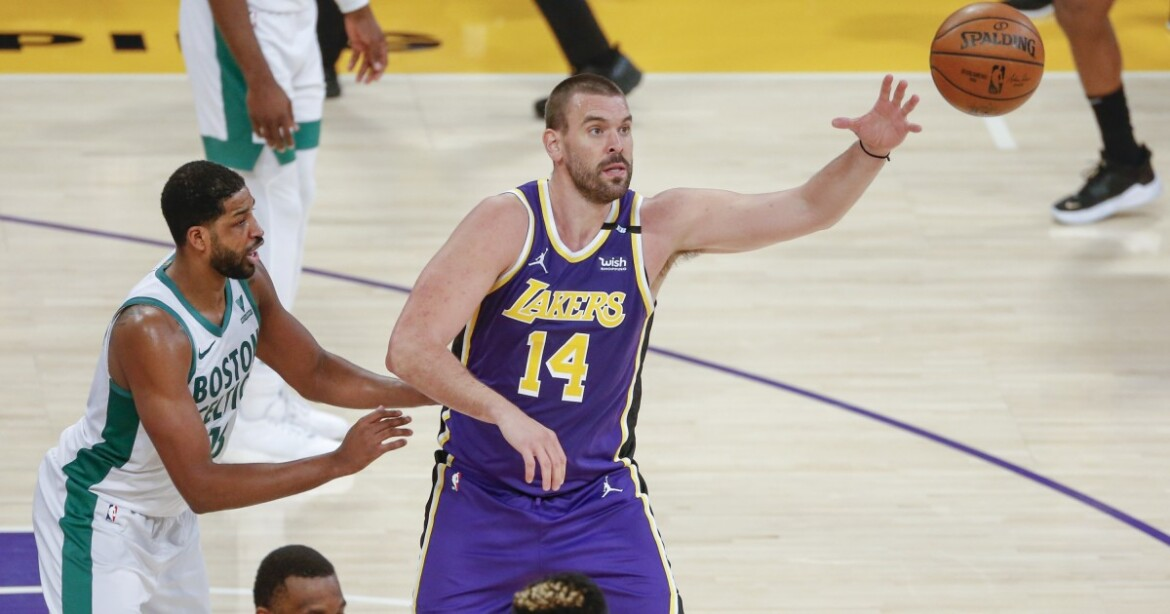 Marc Gasol plays through 'gross' finger injury in Lakers loss