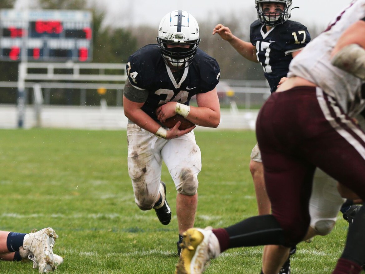 Cary-Grove beats rival Prairie Ridge in 'four-yard war'