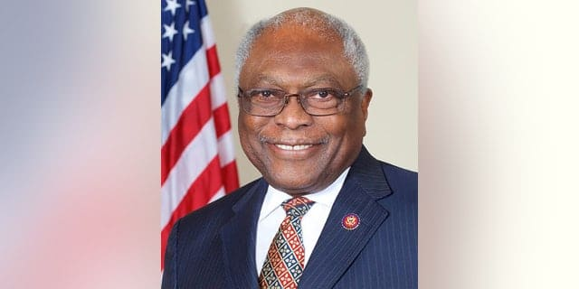 House fines Rep. Clyburn for failing to pass through metal detectors