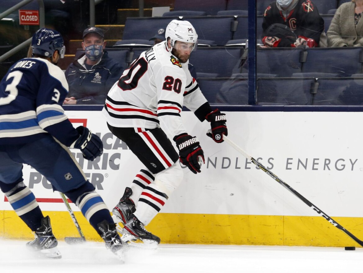 Blackhawks additions Brett Connolly, Vinnie Hinostroza already making impacts