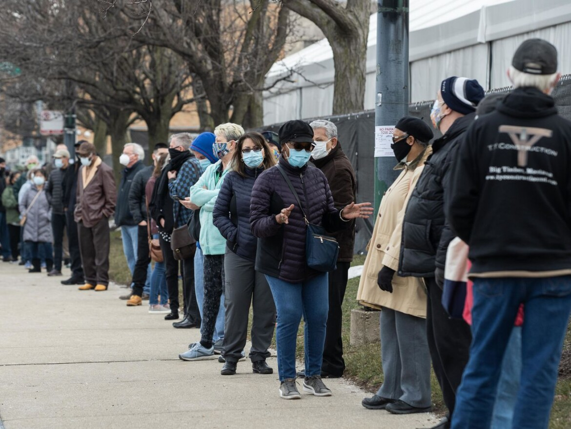 Nearly a quarter of Illinoisans now fully vaccinated against COVID-19 — Pritzker suggests third surge 'beginning' to end