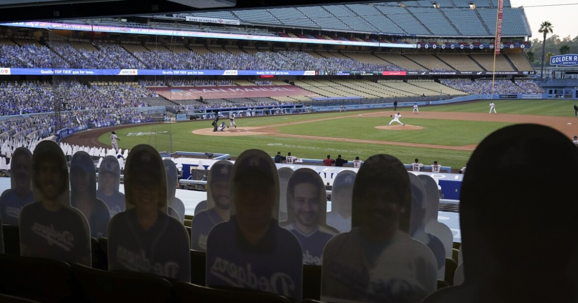 Hernández: Fans in the stands at Dodger Stadium? 'It's going to be kind of surreal'