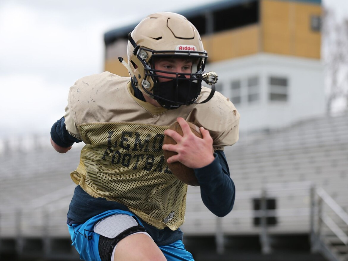 Lemont running back Albert Kunickis makes the doubters pay
