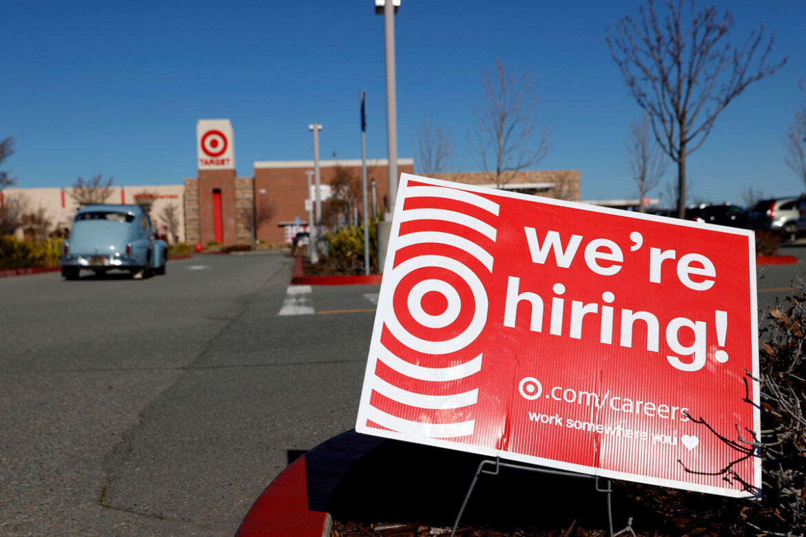 US economy adds 916,000 jobs as COVID recovery gains steam