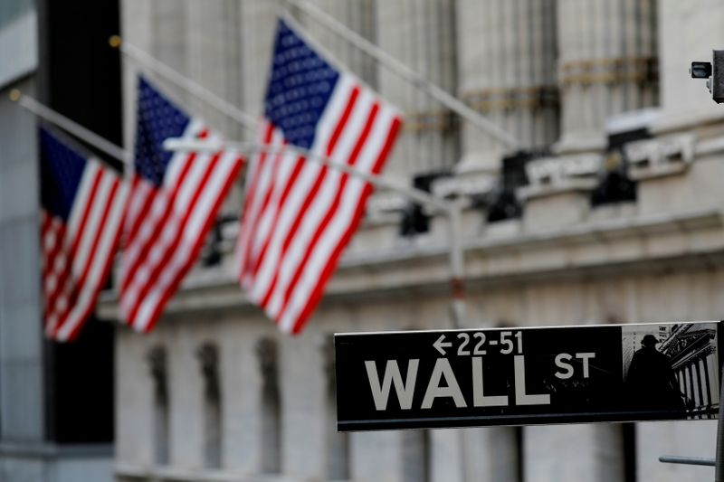 S&P 500, Dow climb for third day and close at records