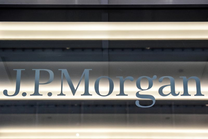 JPMorgan profits on capital markets in a cash-flush economy