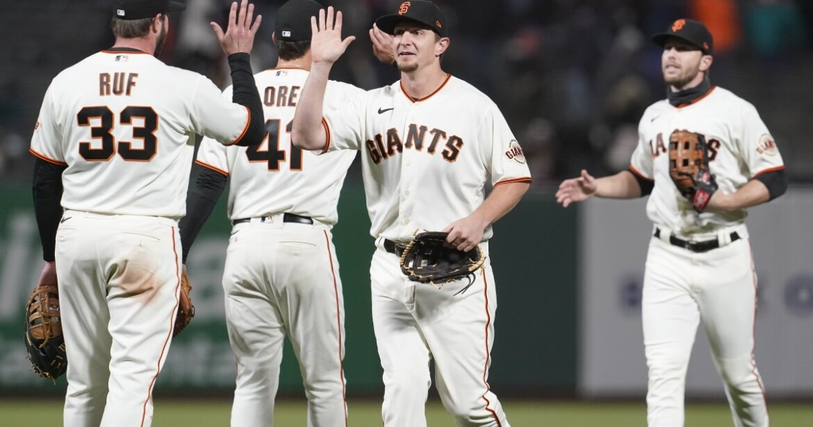 How the Giants could foil the Dodgers, or help the Padres do it