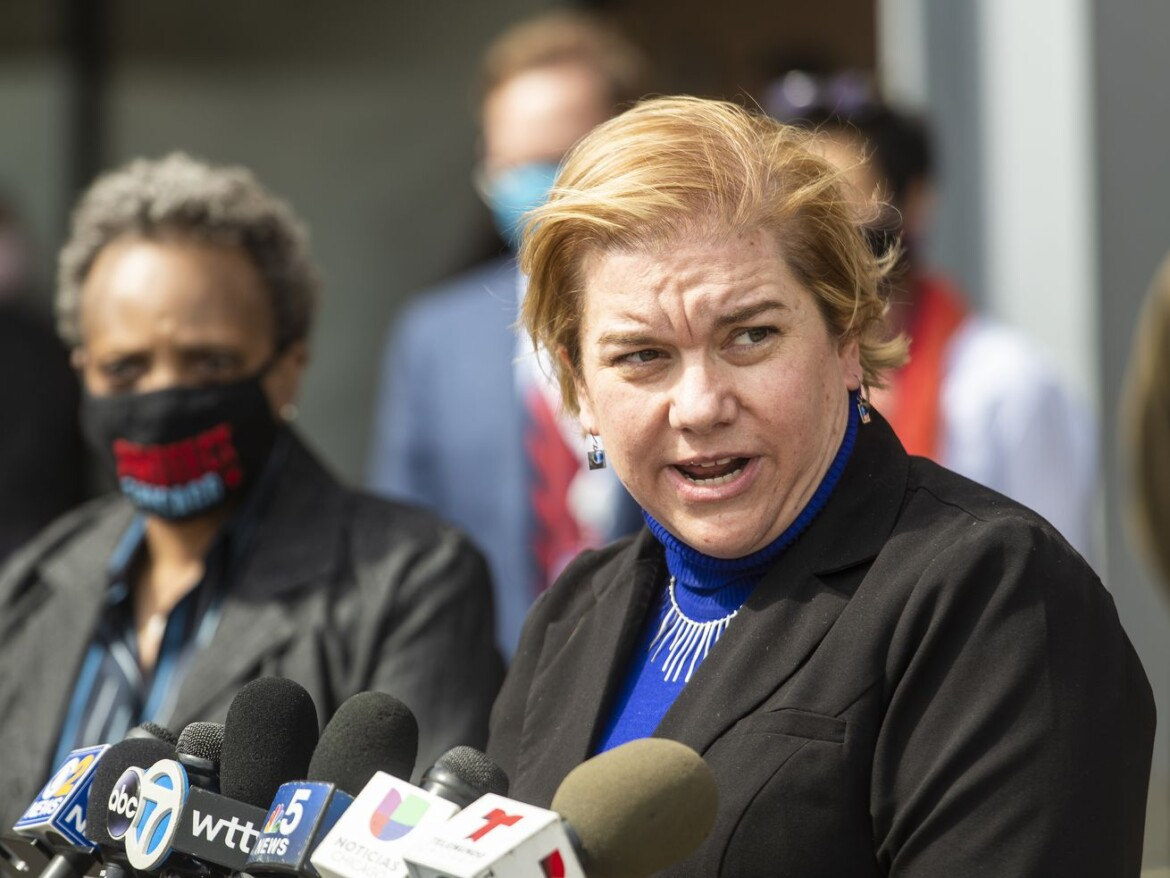 Illinois coronavirus positivity rate falls back below 4%: 'Things are looking up a little bit'