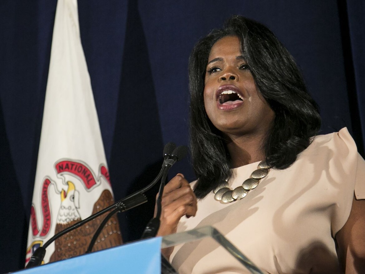 Foxx disgusted by Burke's anti-Semitic remark — but not enough to return $30K from fundraiser at his house