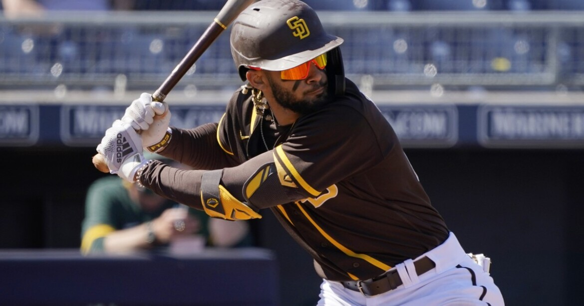 For now, no surgery for Padres' Fernando Tatis Jr.