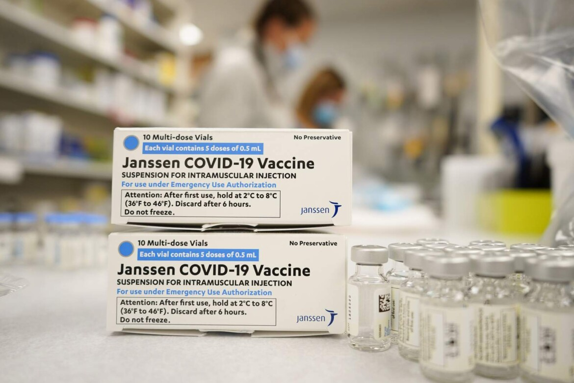 US weighs next steps for J&J virus shot amid clot mystery