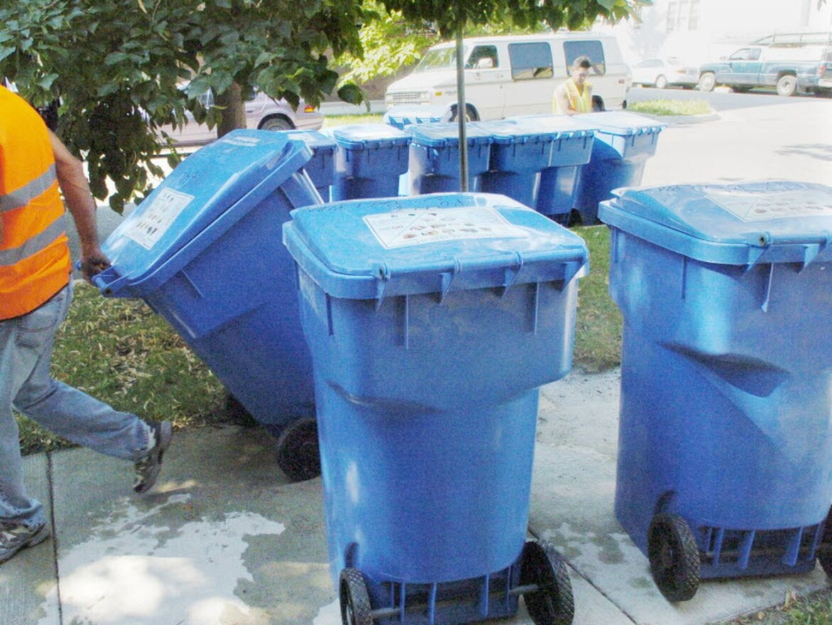 City signs three-year, $79.6 million contract with Lake Shore Recycling
