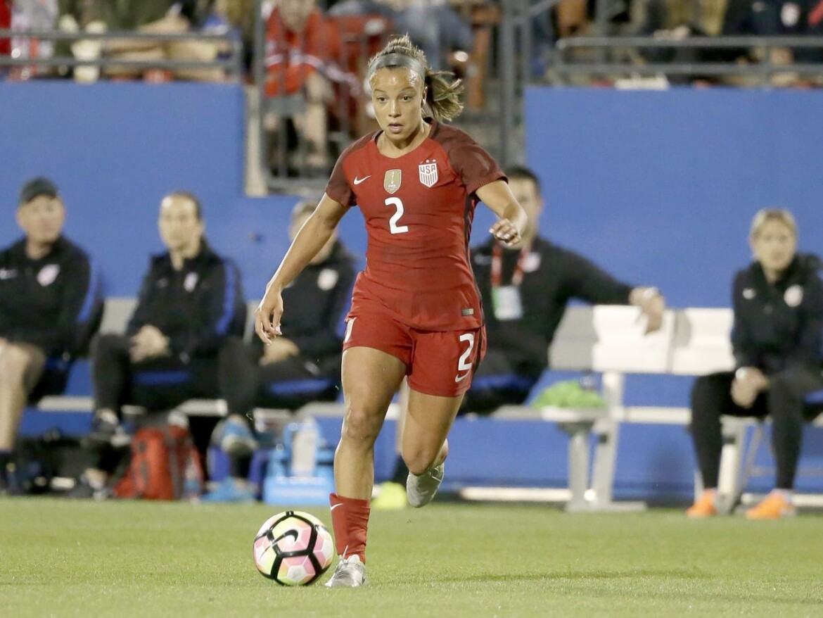 Red Stars kick off Challenge Cup against Houston Dash in rematch of last year's championship game