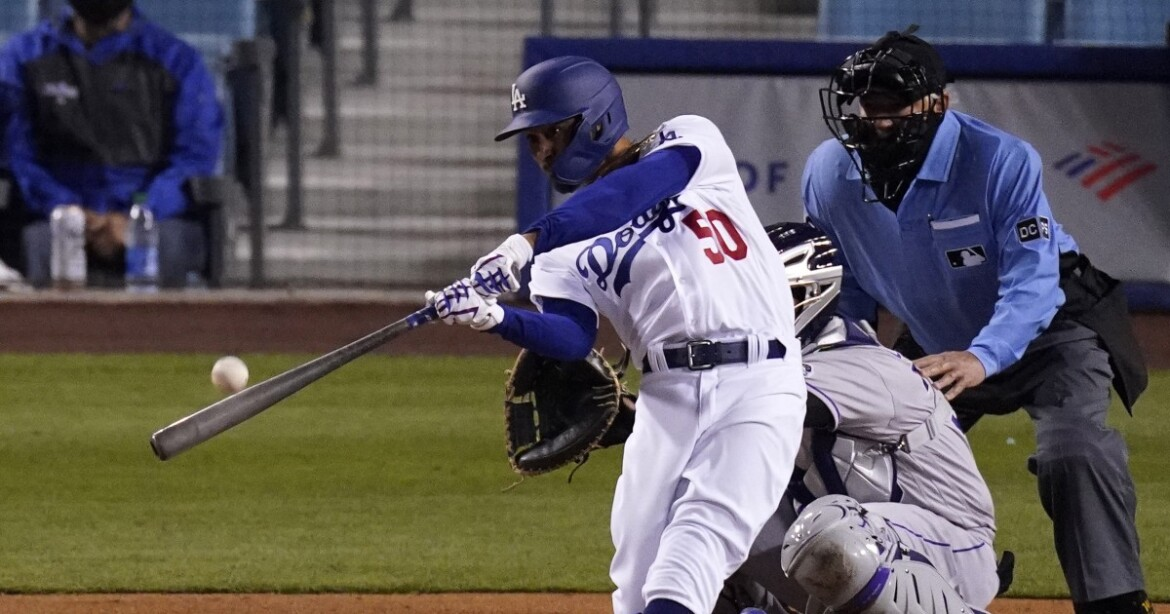 Mookie Betts returns and helps power Dodgers to victory over Rockies
