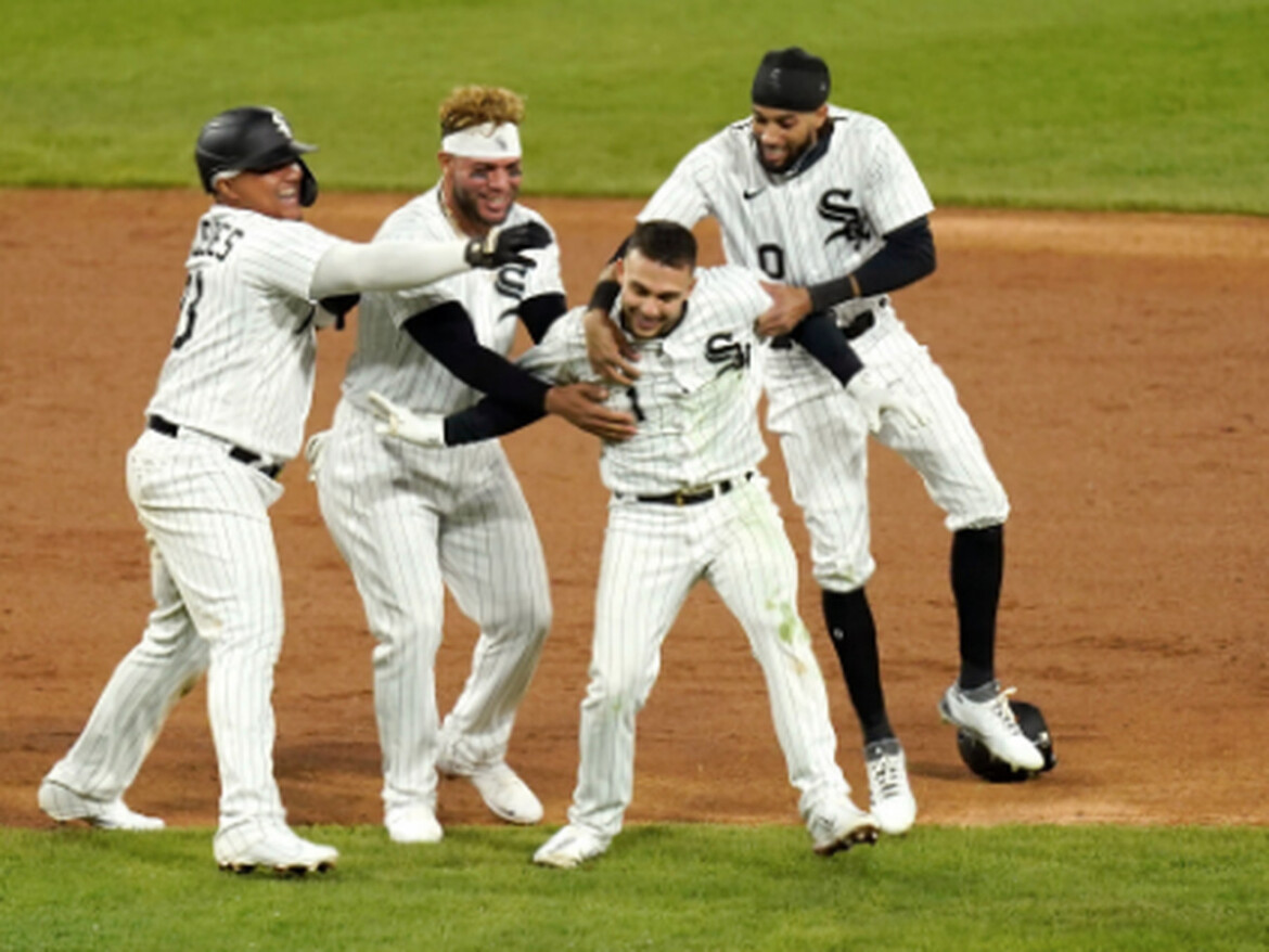 Nick Madrigal's RBI double with two outs in ninth lifts White Sox