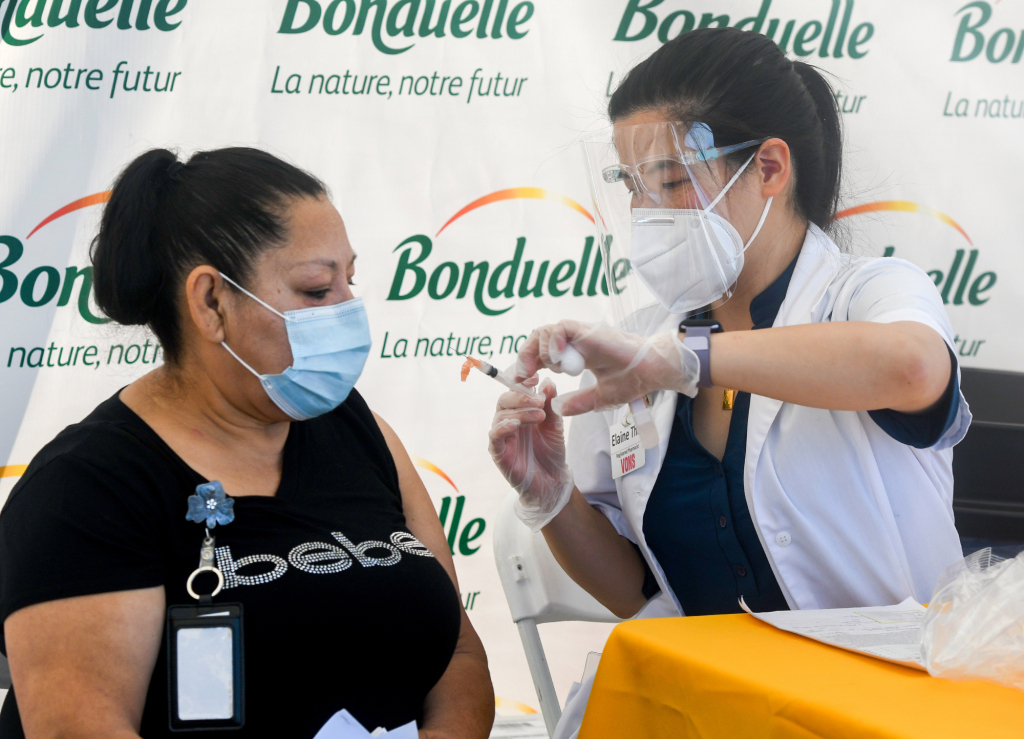 L.A. County hospitalizations dip below 600 for first time since early days of pandemic