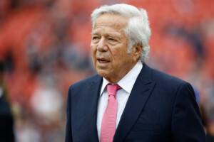 Robert Kraft resigns from Apollo board amid Epstein controversy