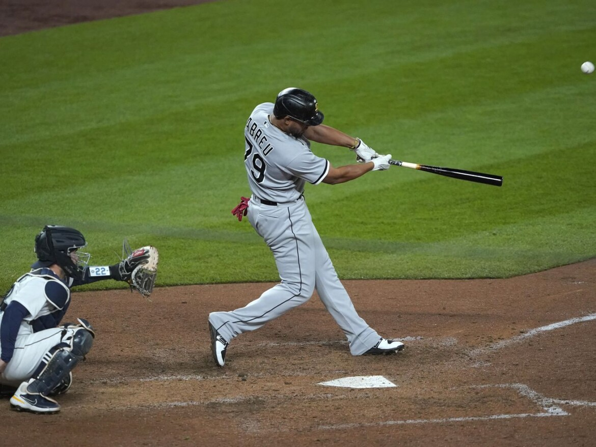 Jose Abreu's slam — his 200th career HR — caps White Sox rout of Mariners