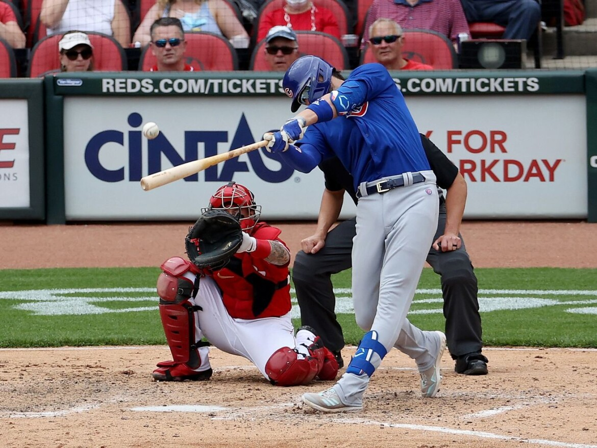 Kris Bryant homers twice as Cubs fall in wild slugfest against the Reds