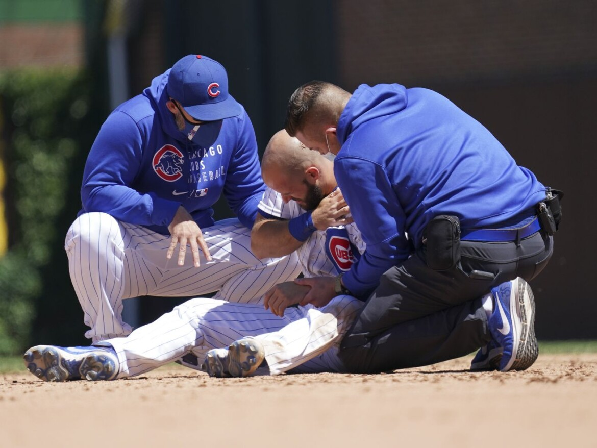 Cubs rout Reds for 6th win in row but lose David Bote