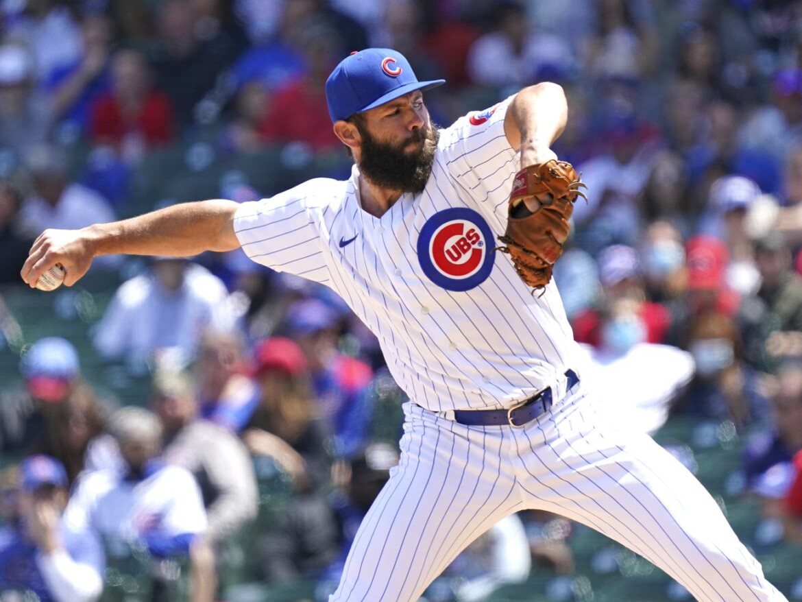 Jake Arrieta, defense shaky as Cubs drop series finale to Reds