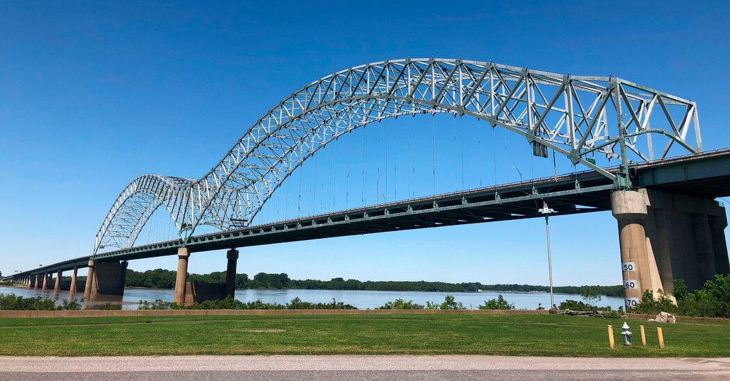 Inspector Who Twice Missed Crack in Bridge Is Fired, Arkansas Officials Say