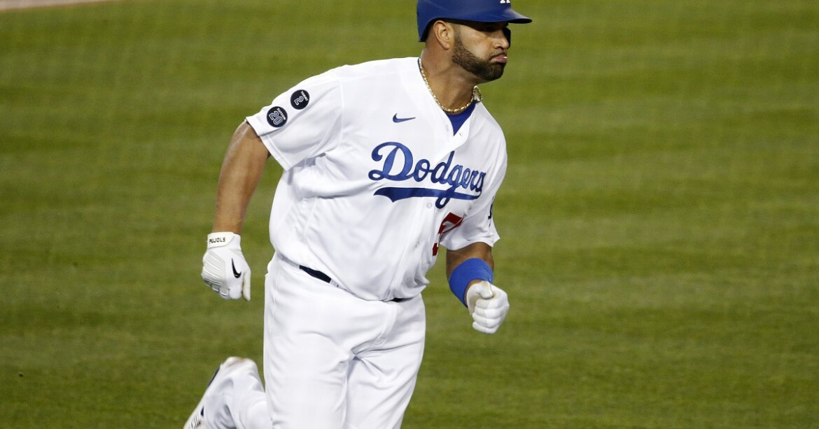 Dodgers Dugout: And now, the Giants