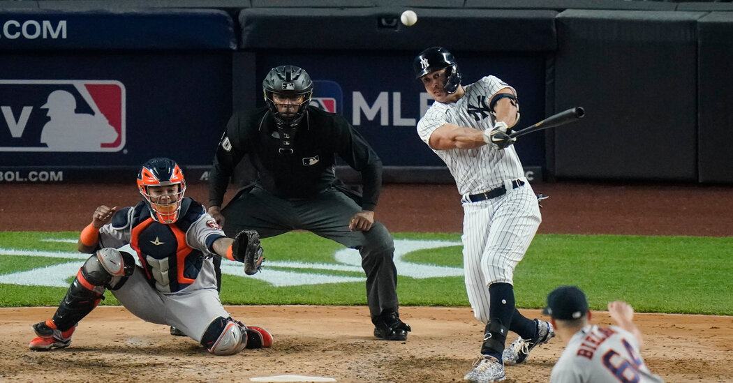 With Victory over Astros, the Yankees Have a Winning Record