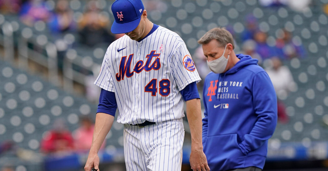 Mets Sweep Arizona, but deGrom Leaves Early
