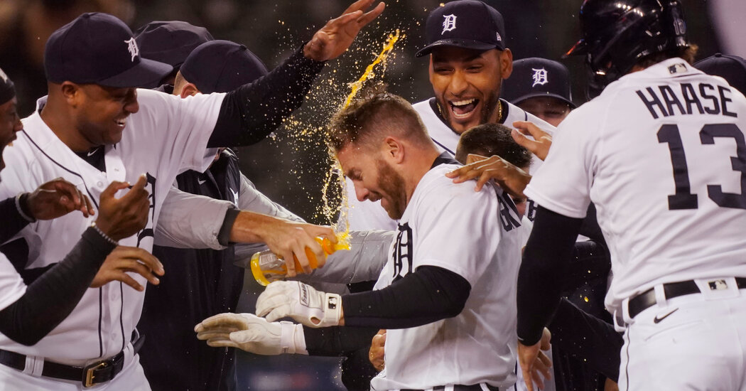 Yankees Fall to Tigers in Extra Innings