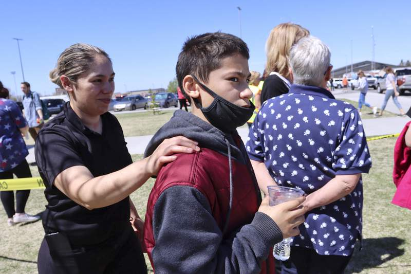 Shooting at Idaho middle school injures 3; student captured