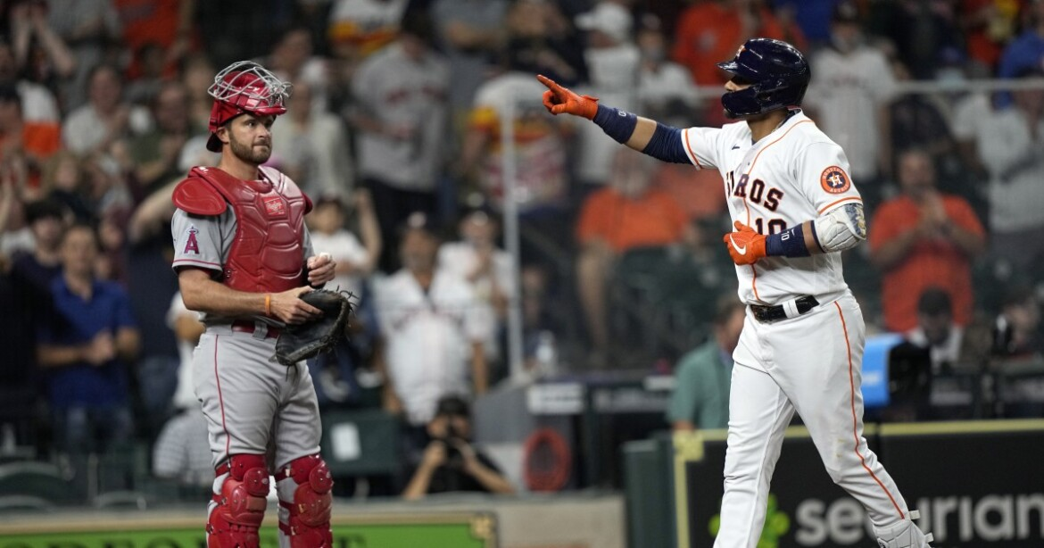 No Mike Trout, David Fletcher or Justin Upton means no win for Angels