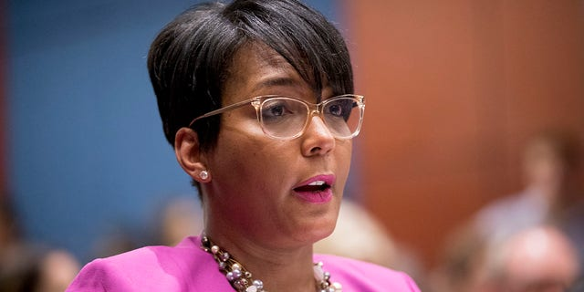 Atlanta Mayor Bottoms says it's time to 'pass the baton' as she announces she won't seek reelection