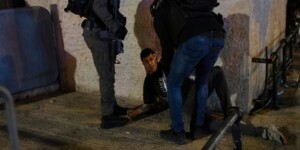 More than 200 Palestinians hurt in Al-Aqsa clashes with police