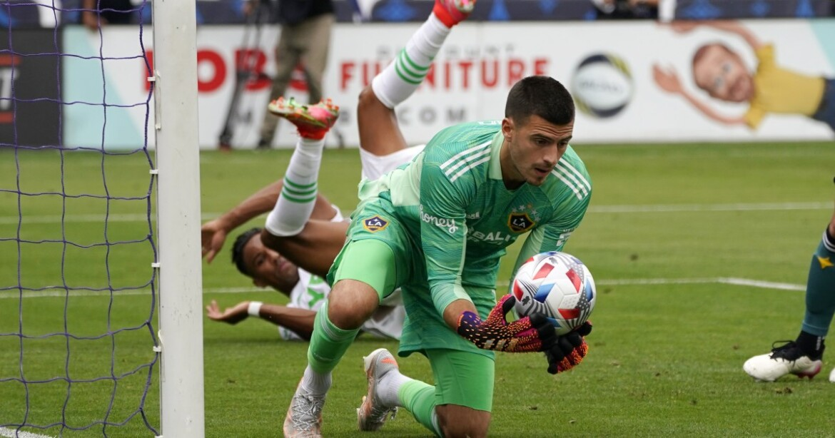 Galaxy claim another home win with 1-0 defeat of Earthquakes