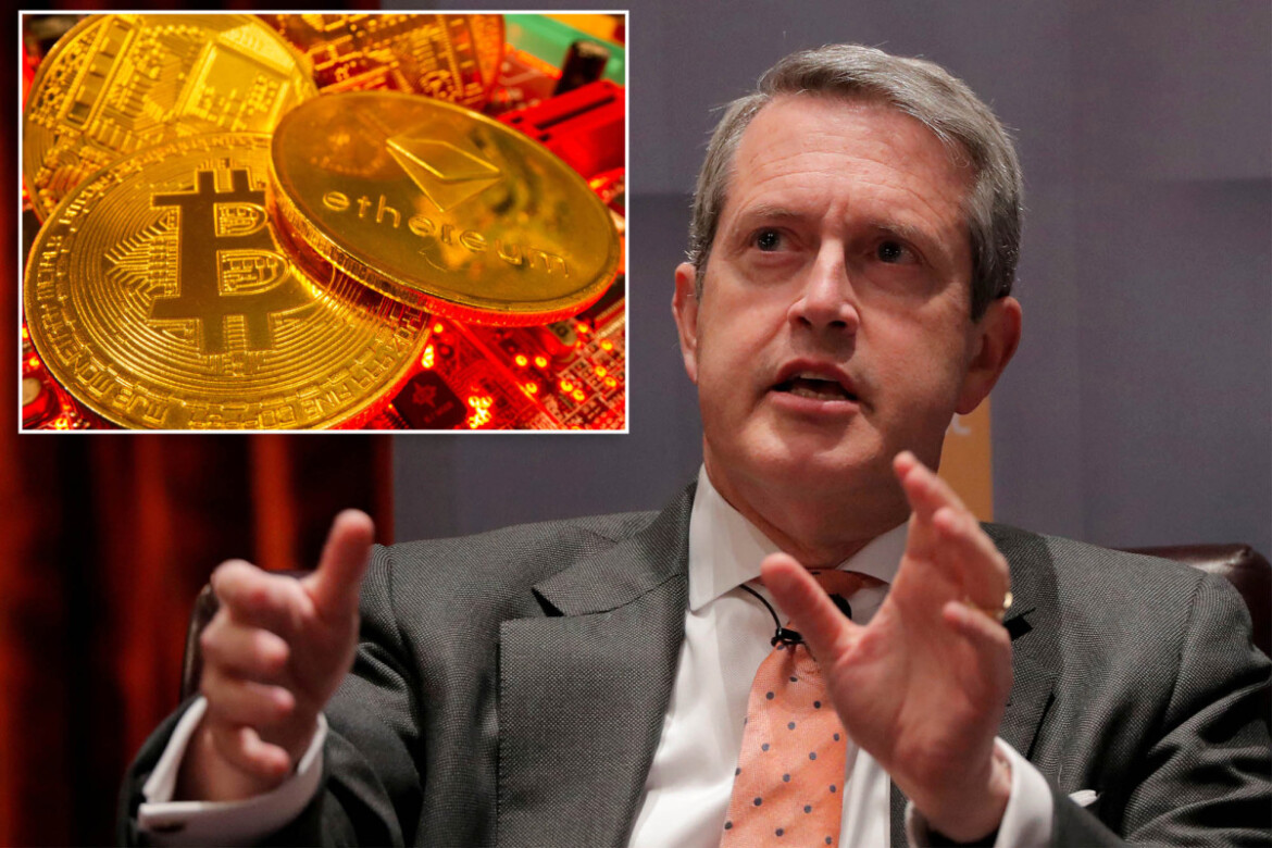 Regulators in 'sprint' to crack down on cryptocurrencies, Fed official says