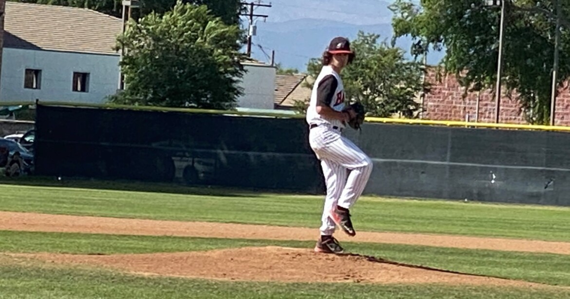 Roundup: Hart's Massimo Vega performs closer role to perfection in 2-0 win over West Ranch
