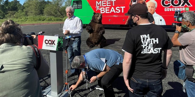 "Republican recall candidate John Cox teams up with 1,000 pound California grizzly bear as he kicks off ""Meet the Beast"" bus tour, in Sacramento, California on May 4, 2021."