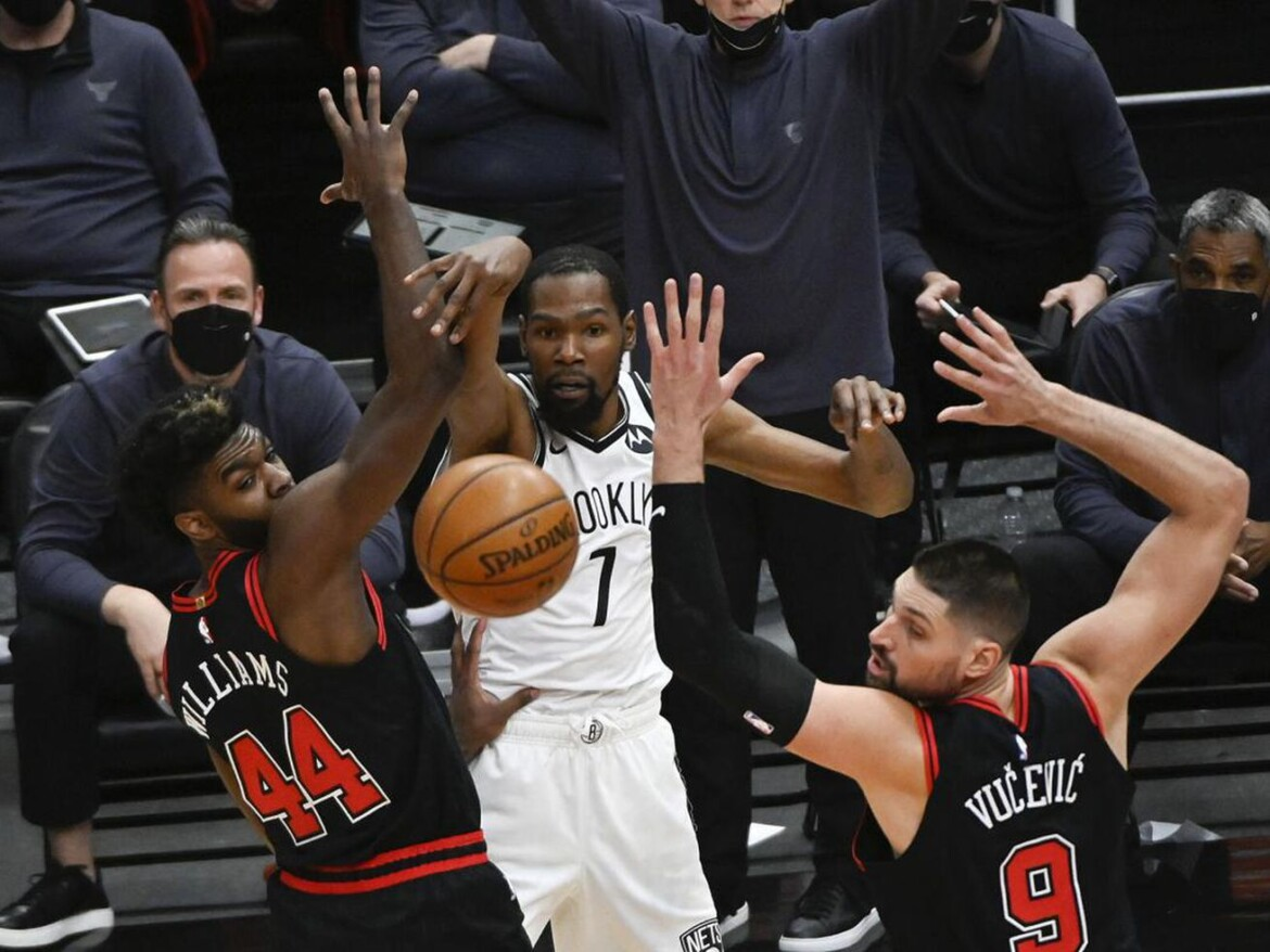 Bulls coach Billy Donovan and his staff are praised despite record