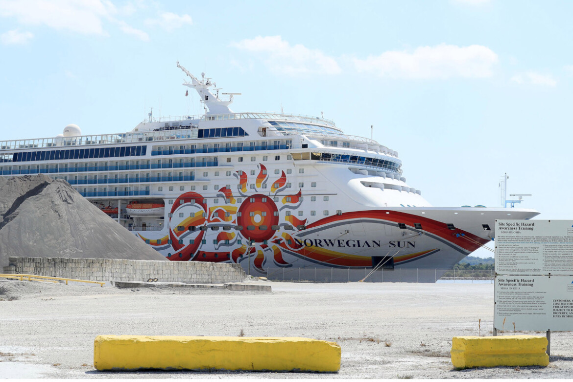 Florida threatens to fine cruises over COVID vaccine requirements
