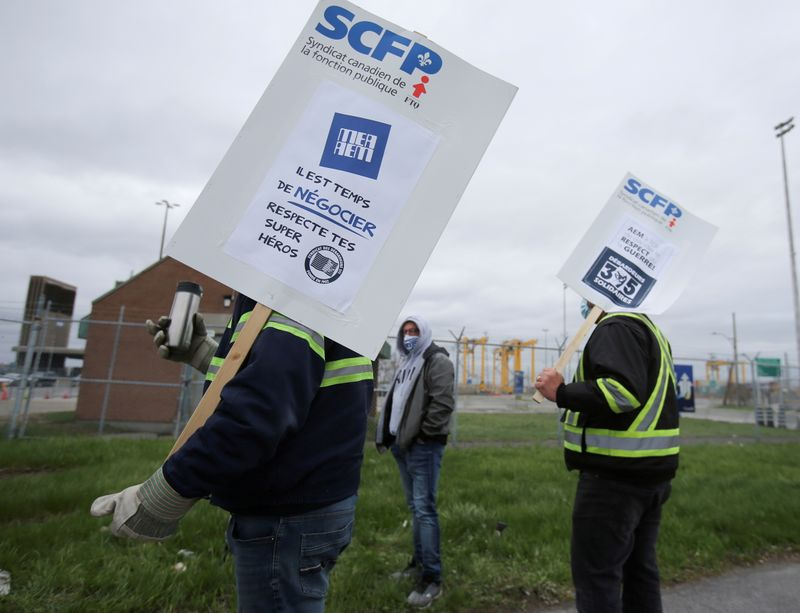 Canadian government passes legislation to end Montreal port strike
