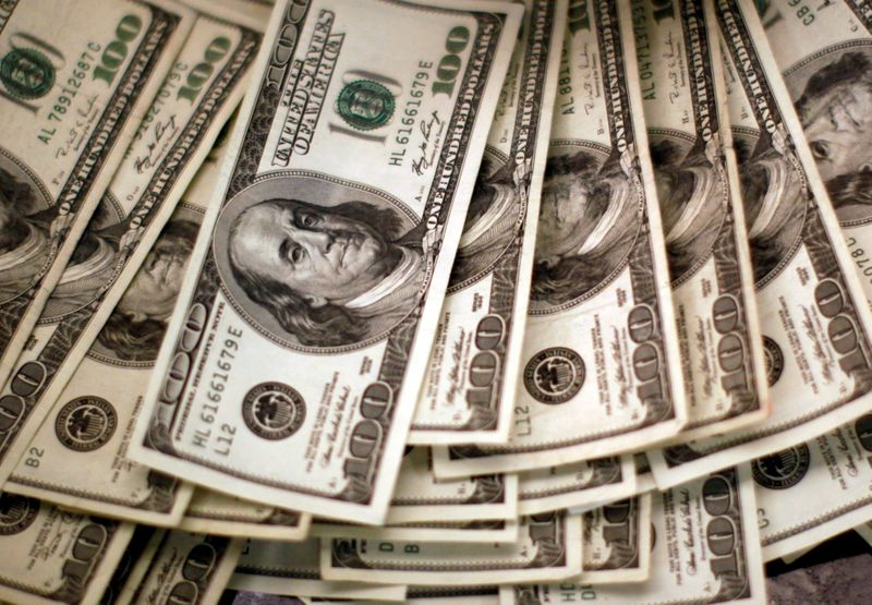 Dollar steadies before Fed minutes, bitcoin stumbles