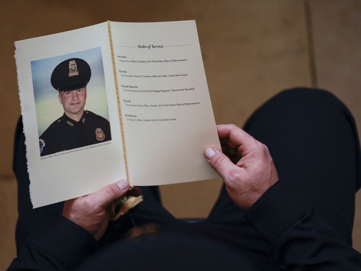 Mother of cop who died after Jan. 6 urges 1/6 commission