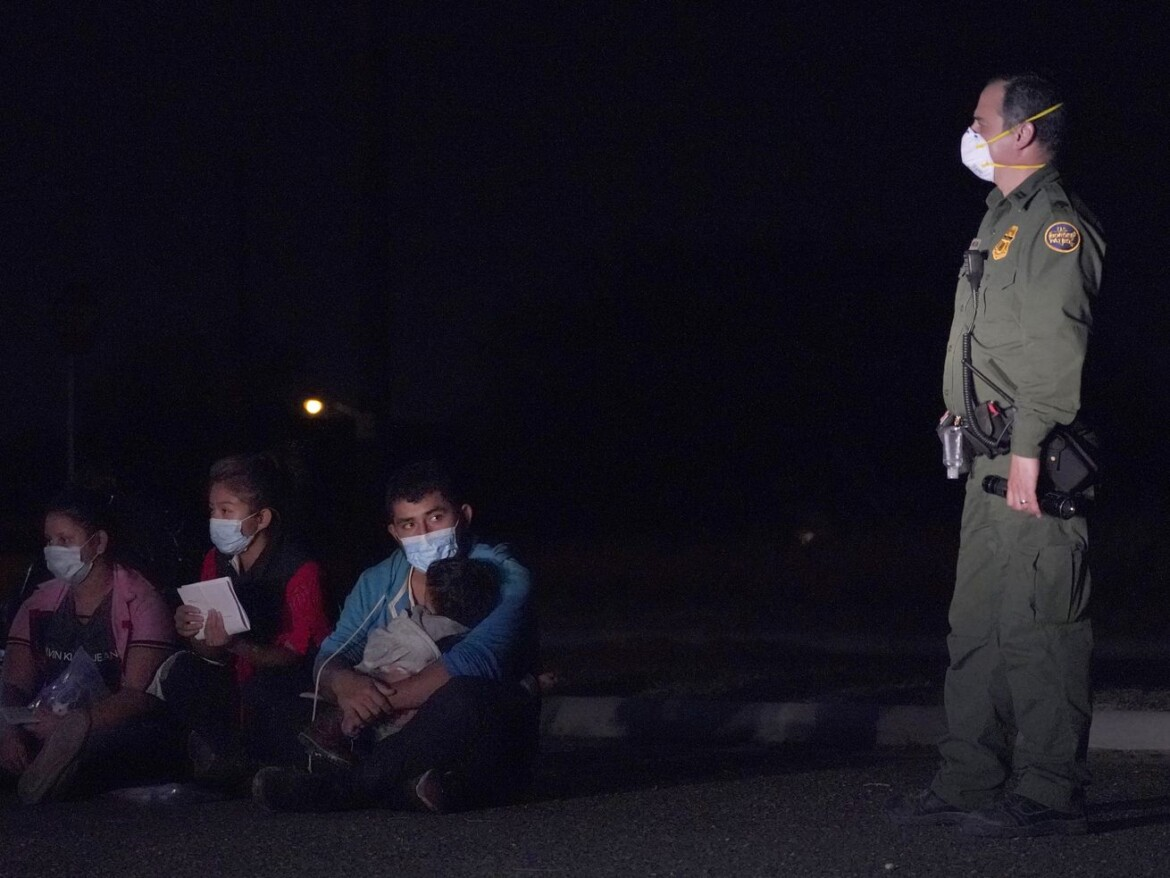 US forced deported parents to leave kids behind: Watchdog