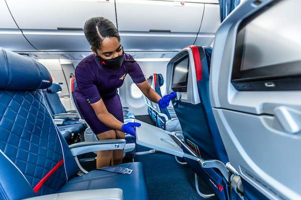 New hires in airline industry may face strict COVID-19 vaccine policies