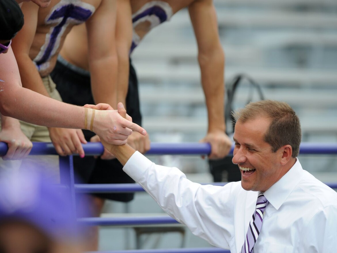Reports: Northwestern will promote Mike Polisky to athletic director