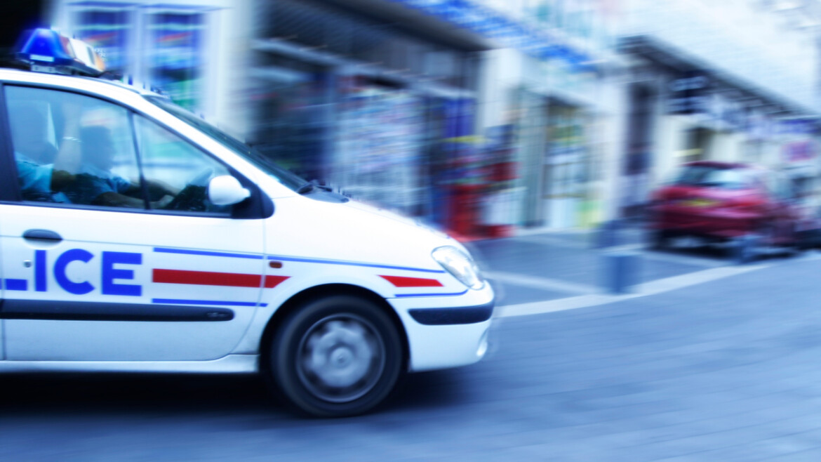 French police shoot knife-wielding man: report
